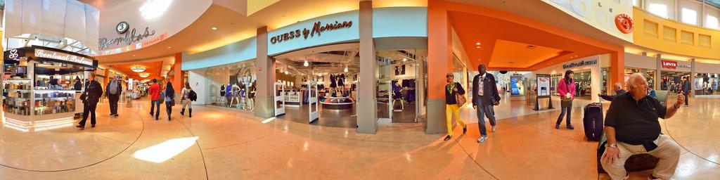Dolphin Mall - inside