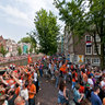 Dutch Worldcup Soccer team on the Amsterdam canals.