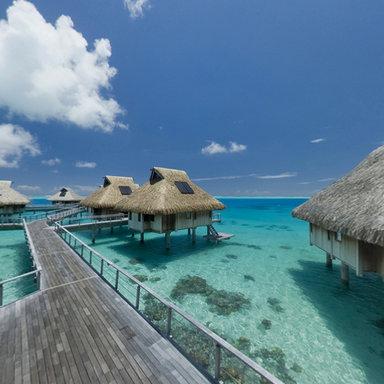 Hotel hilton bora bora overwater bungalows panorama in for Bungalows flotantes en bora bora
