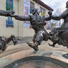 Ring Statue of Folk Dance Berikaoba