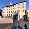 Piazza della Cisterna - San Gimignano