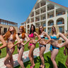 Miss Bikini in Hotel Favorit