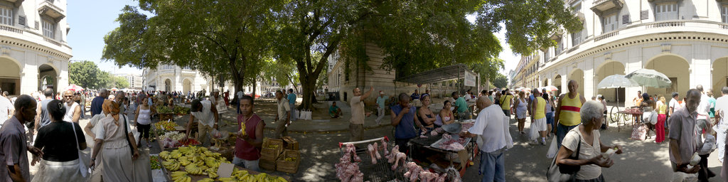 Farmers Market in old Havana - 1