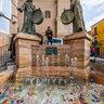Monumento a los tamboristas