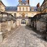 Escaliers du chateau de Fontainebleau, France