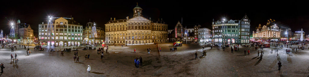 Dam square by night christmas