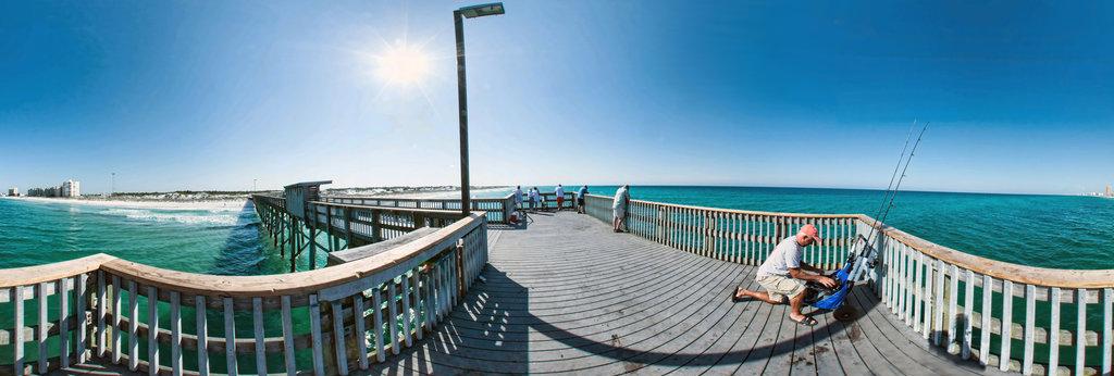 Allen simmons panoramic photographer 360cities for Pier fishing net