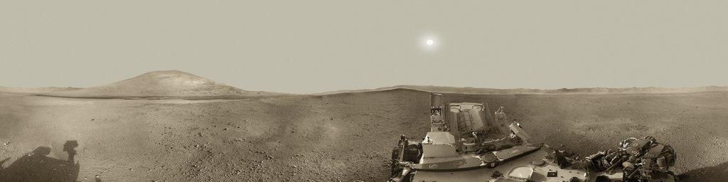 Mars Panorama - Curiosity rover: Martian solar day 2