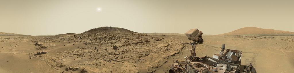 Mars Panorama - Curiosity rover: Martian solar day 613