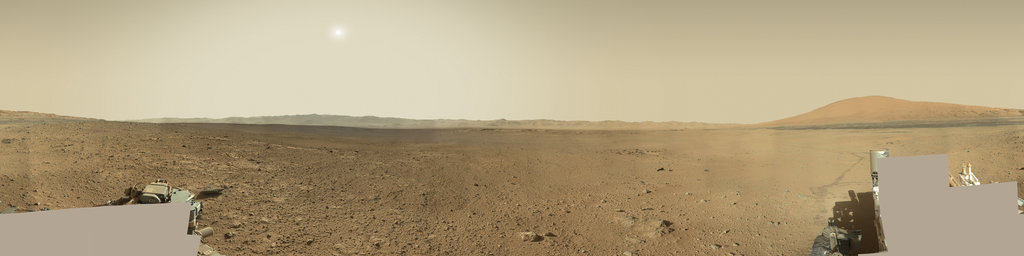Mars Panorama - Curiosity rover: Martian solar day 647