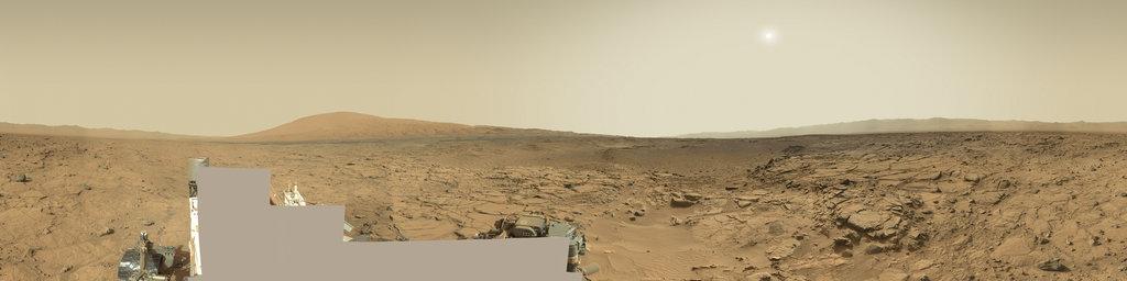 Mars Panorama - Curiosity rover: Martian solar day 739