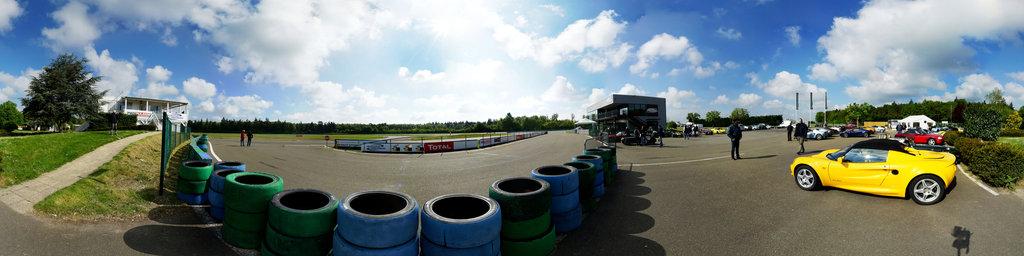 club Lotus: circuit de Dreux depart