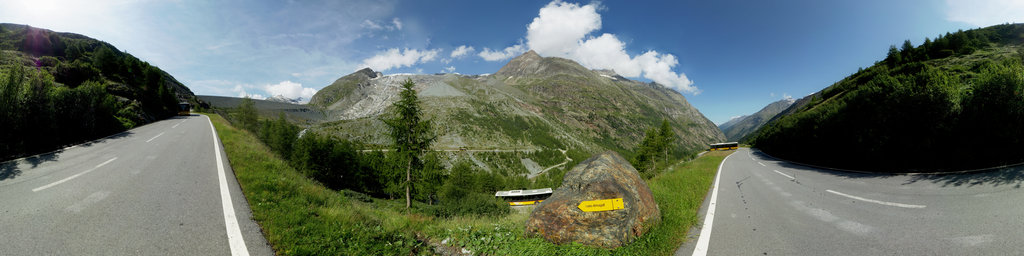 Postauto drives down to Saas Grund to pick up hikers