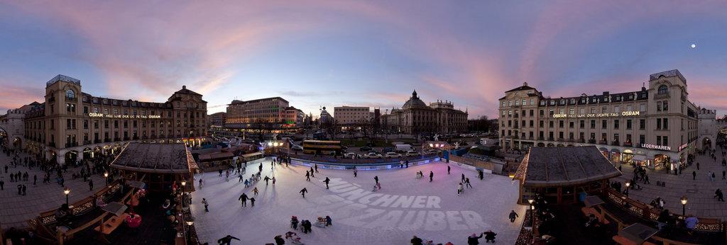 Munich Ice Magic at Karls-Place