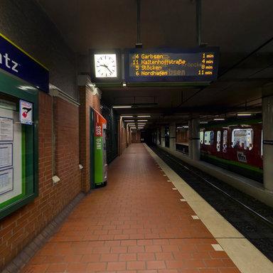 U Bahn Station Braunschweiger Platz 02