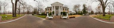 elvis-presley-mansion-front-exterior