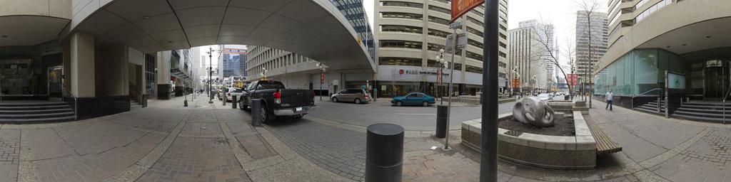 Calgary Centre, Exterior